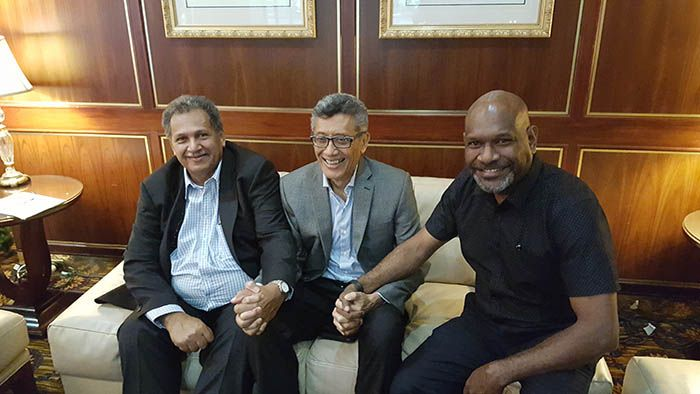Hand in hand in Melanesian unity (from left) , Air Vanuatu CEO, Joseph Laloyer, Air Niugini CEO and ASPA chairman, Simon Foo and Solomon Airlines CEO, Captain Ron Sumsum